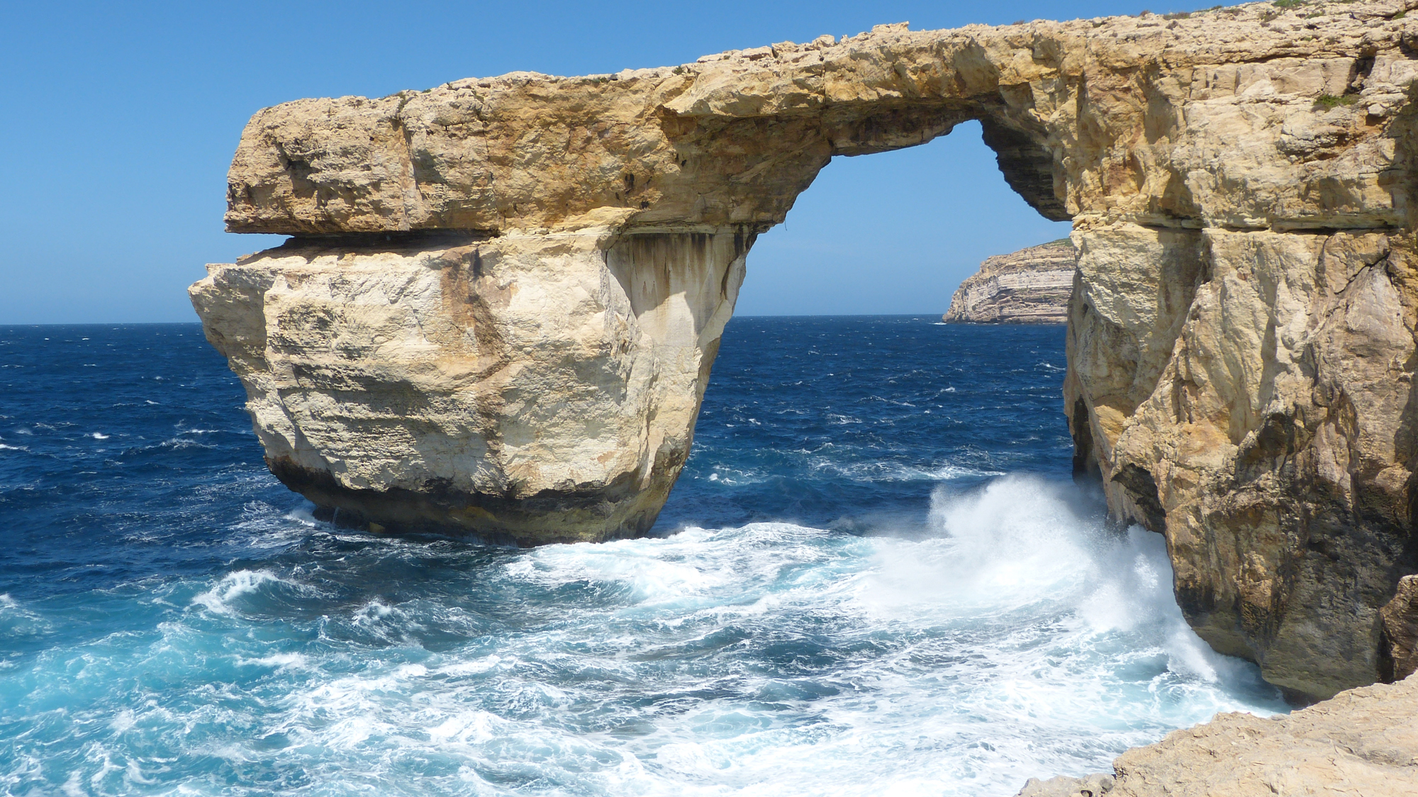 Alles GOZO ++ Azure Window